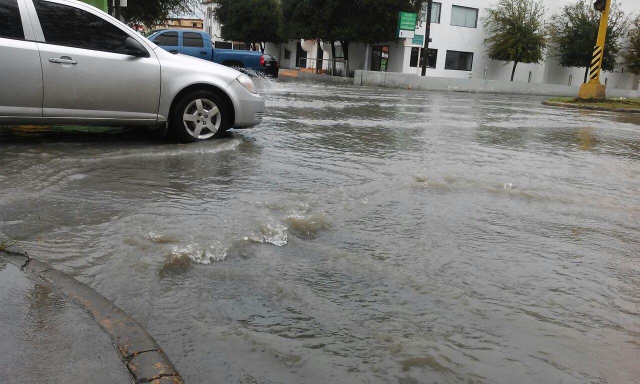 Llenas de agua muchas calles como la Fuente de Diana y Bulevar el Maestro.