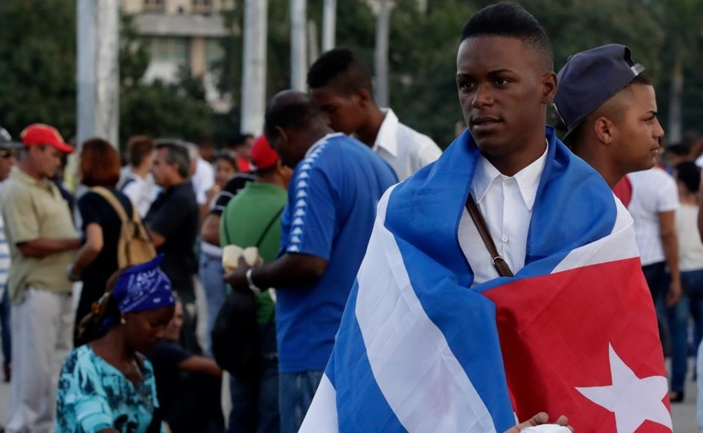Las cenizas de Castro partirán este miércoles por carretera desde La Habana hasta Santiago de Cuba, siguiendo el recorrido inverso que el líder cubano realizó en 1959 para llegar al poder. Foto Jorge Serratos/Universal