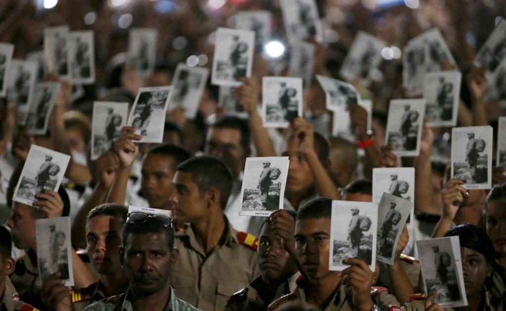 Además de los habaneros, al homenaje póstumo al que fue el máximo líder de Cuba durante más de 45 años asistirán decenas de jefes de Estado y Gobierno de todo el mundo, así como representantes de alto rango de otras decenas de países. Foto Reuters