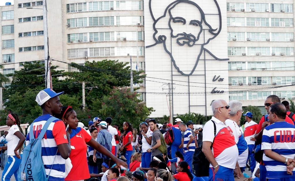 En los dos últimos días, centenares de miles de personas han desfilado por el Memorial José Martí, situado en la Plaza de la Revolución, para rendir sus respetos a Castro. Foto Jorge Serratos/Universal