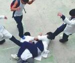 La violencia entre alumnos en salones de clase o instalaciones escolares es responsabilidad de: