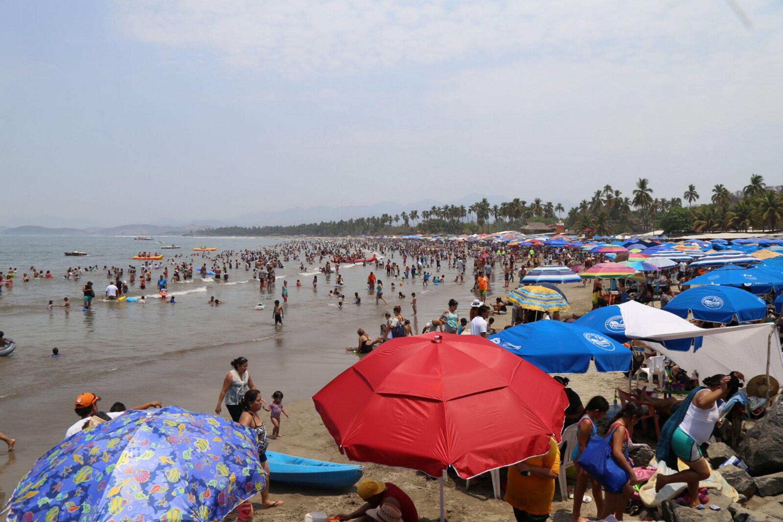 Ante el arribo masivo de turistas que llenaron los más de 30 mil cuartos de hotel durante esta Semana Santa en Guerrero, las expectativas quedaron rebasadas, informó el gobierno del estado. (Notimex)