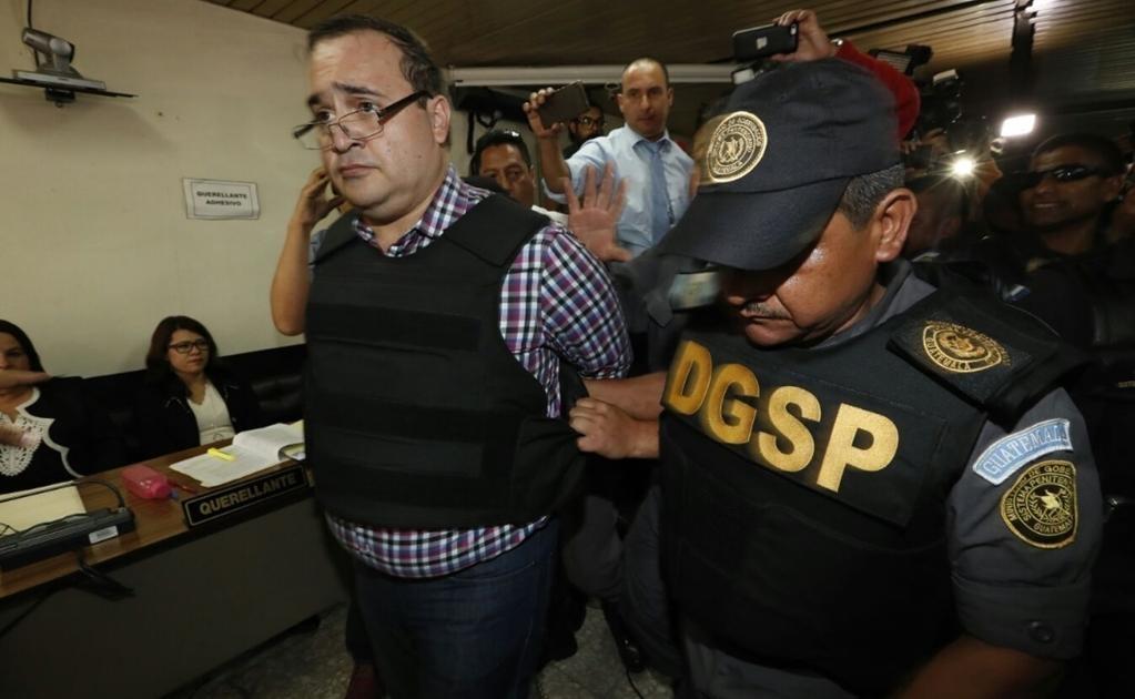 Este miércoles, el ex gobernador de Veracruz acudió al Tribunal Quinto de Sentencia Penal de Narcoactividad y Delitos contra el Ambiente de la Ciudad de Guatemala. Foto: Luis Cortés/EL UNIVERSAL