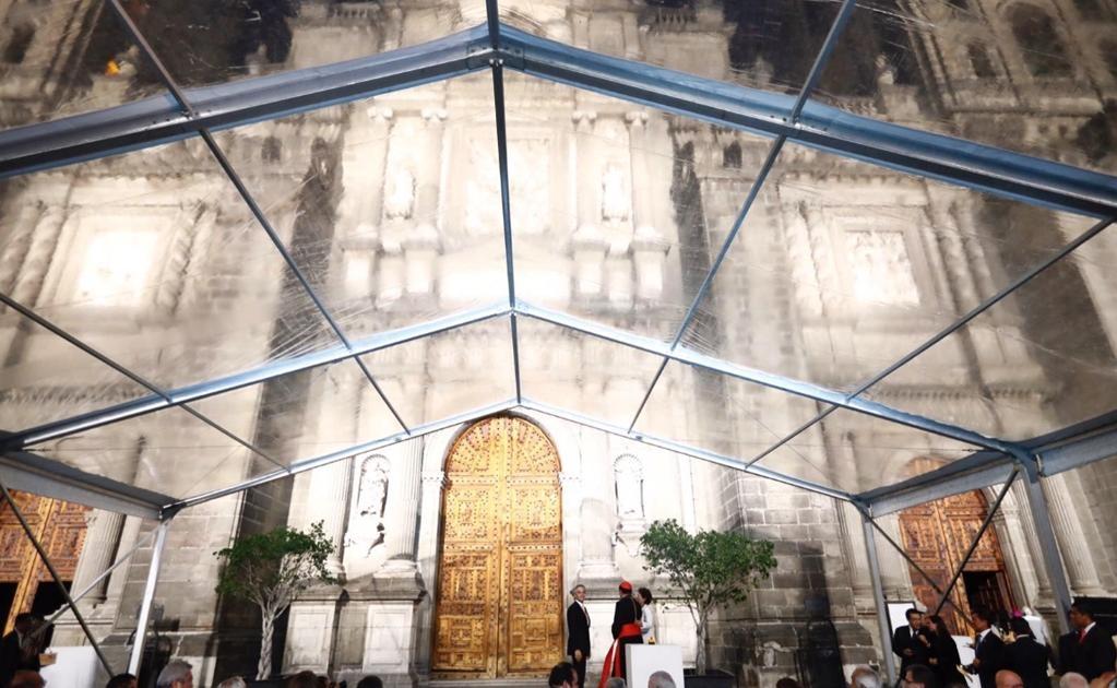 De acuerdo con el Gobierno de la Ciudad de México las luminarias fueron colocadas en siete postes de acero inoxidable con una altura de 15 metros cada uno. Foto: Yadín Xolalpa/EL UNIVERSAL