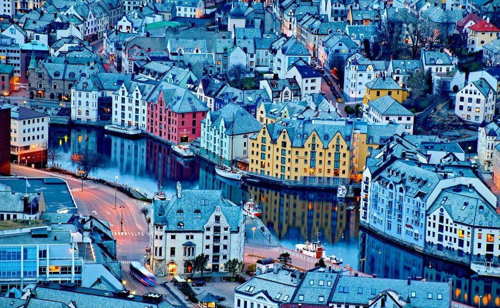 Ålesund tiene la mayor concentración de arquitectura art nouveau en el mundo. (Foto Istock)