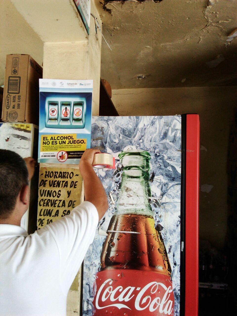 COLOCAN. Personal de la Coepris, vienen reforzando acciones para la prevención de venta y consumo de bebidas embriagantes en menores de edad.