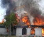Se incendia residencia de Villa del Mar en Miguel Alemán