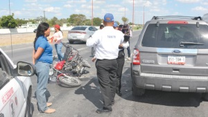 Lesionado motociclista en carretera