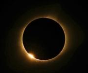 Eclipse solar conmociona a millones