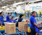 ¿Cómo se puede cubrir la falta de mano de obra en las maquiladoras?