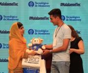 El odio daña a individuos, dice Malala por muro de Trump
