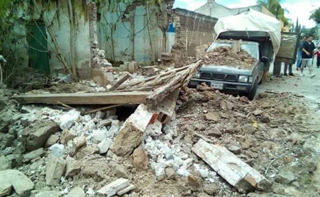 Además usuarios de redes sociales también informaron daños en viviendas y edificios.