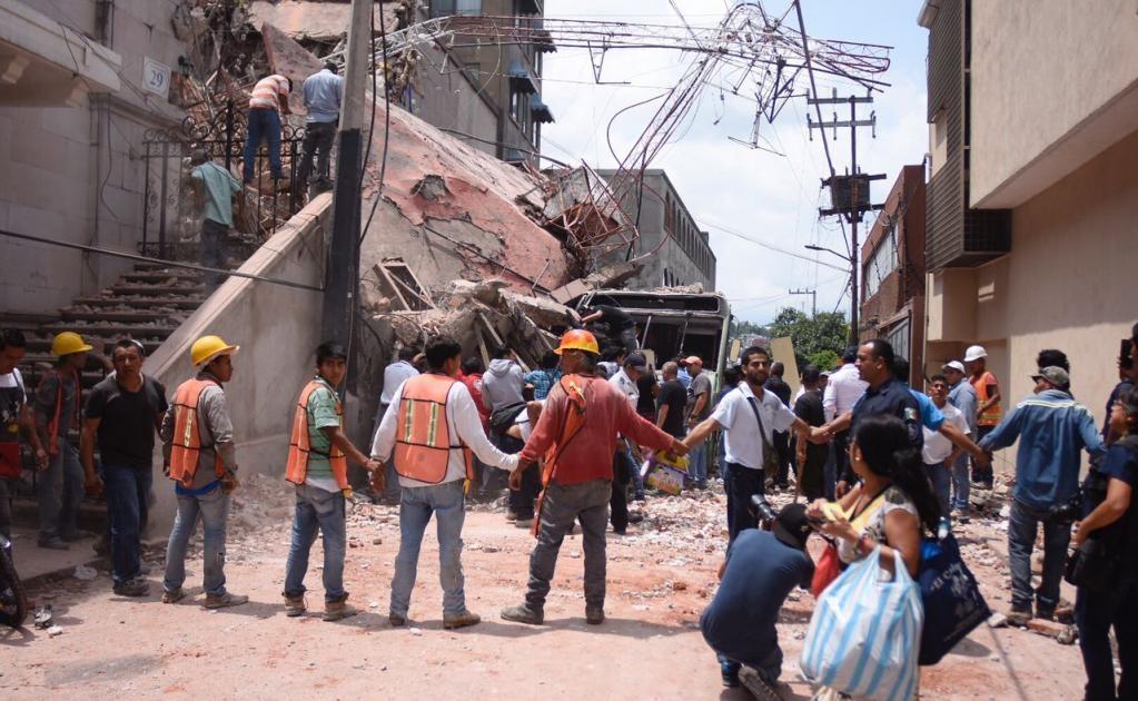 El gobernador de Morelos, Graco Ramírez, informó que hasta el momento se reportan 42 muertos en la entidad.