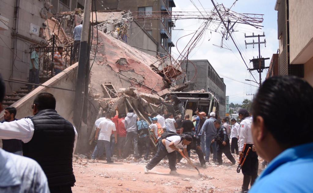 Además se reportan afectaciones en varios edificios del estado.