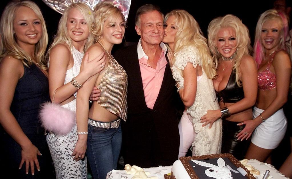 El fundador de la revista Playboy se casó en tres oportunidades y tuvo cuatro hijos con dos mujeres distintas. Su último matrimonio fue con una modelo en 2012. FOTO: Archivo
