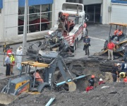 Se abre socavón en Monterrey: muere una mujer