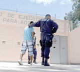 Denuncia CNDH tortura al 75 % de menores presos