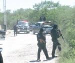 Abandonan camioneta tras una persecución