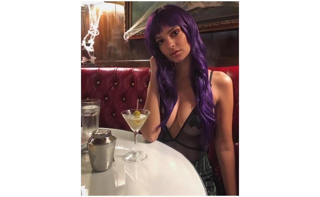 El sexy atuendo de Emily Ratajkowski. Instagram