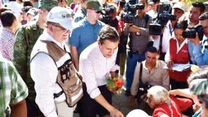 Promete Peña Nieto reconstrucción rápida