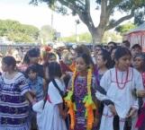 Estremecedor reencuentro de  familias oaxaqueñas radicadas en Los Ángeles