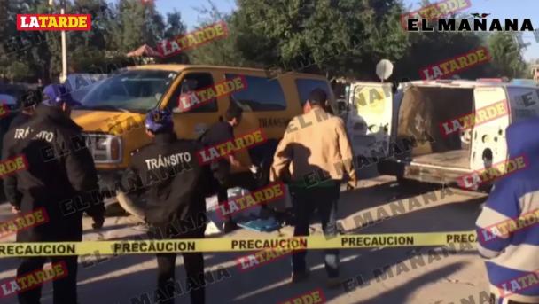 Muere aplastado por su transporte escolar lleno de estudiantes