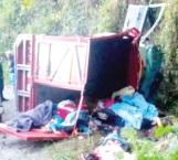 Suman 18 muertos y 5 heridos en volcadura