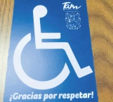 Acuden a tramitar tarjetón personas con discapacidad