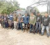 Rescatan 10 migrantes de El Salvador