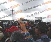 Campesinos vuelven a bloquear carretera federal