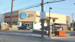 Atracan dos farmacias Guadalajara