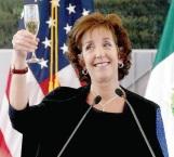 Renuncia embajadora de EU en México, por diferencias con Trump