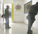 Pelea con ladrón y lo detienen Estatales