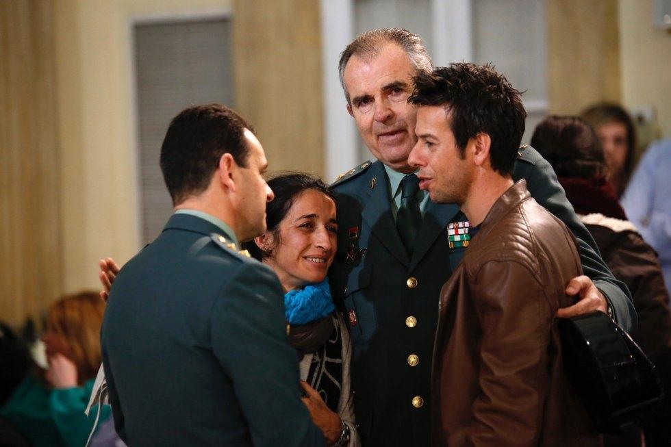 Patricia Ramírez y Ángel Cruz durante la Capilla Ardiente de Gabriel Cruz en Almería.