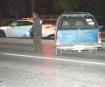Trepa su camioneta a camellón por un susto en persecución