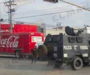 Autoridades retiran vehículos de bloqueo en Jarachina Sur
