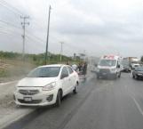 Derrame de aceite provoca aparatoso accidente carretero