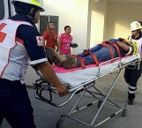 Derrapan en moto y resultan heridos