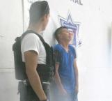 En flagrante delito detienen a agresivo y molesto sujeto