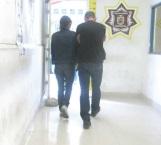 Briaga pareja detenida por escandalizar en plaza