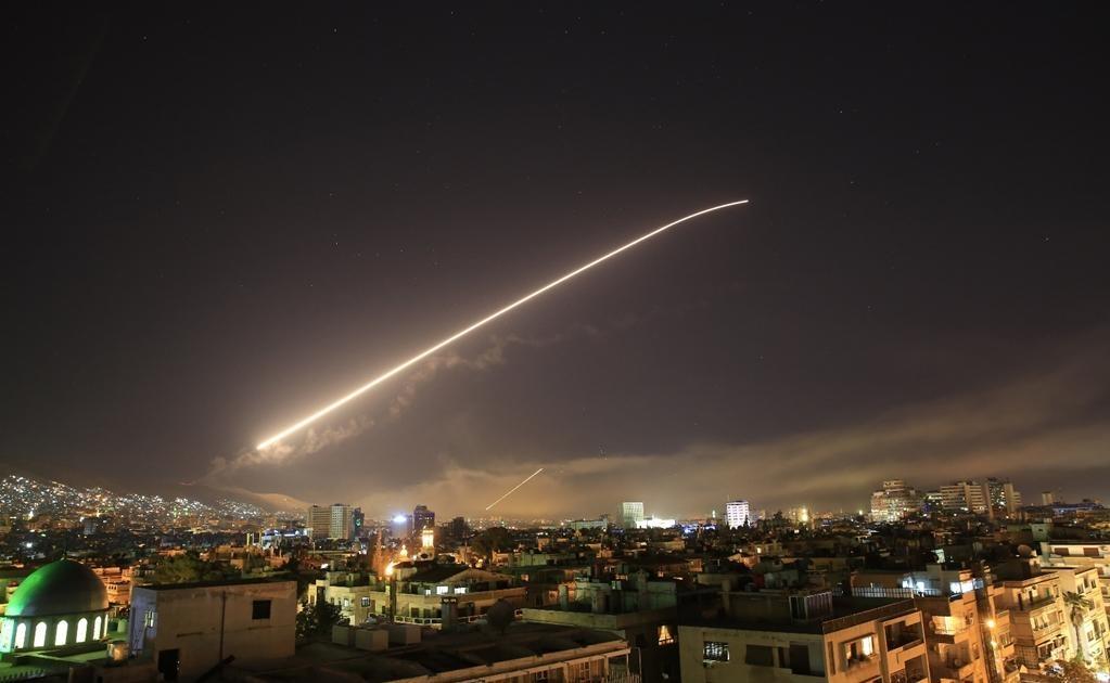 El presidente de los Estados Unidos, Donald Trump, anunció esta noche un ataque militar contra Siria, en represalia por un ataque químico muy cerca de Damasco. Foto AP