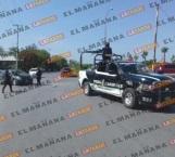 Choca automovilista contra una patrulla