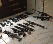 Militares 'revientan narcolaboratorio y decomisan 77 armas