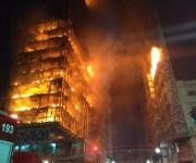 Incendio y derrumbe de edificio causa víctimas en Sao Paulo