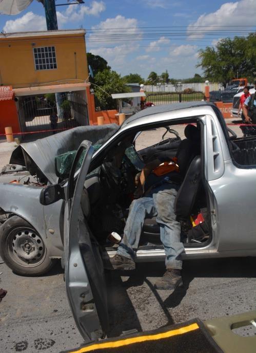 Así quedó. A consecuencia del brutal impacto Daniel Reyna Martínez sufrió golpes internos en tórax y murió al instante.