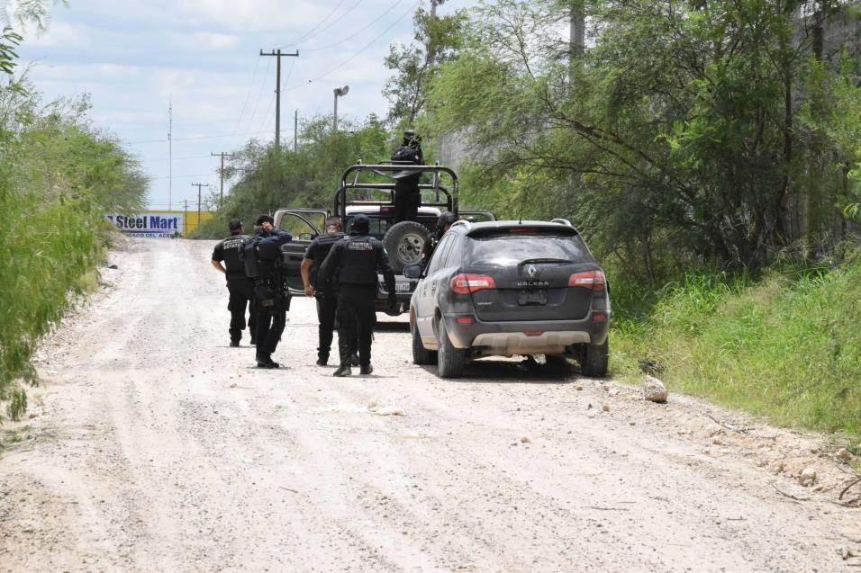 Abandonan. La camioneta Renault Koleos, de color negro, con reporte de robo, fue abandonada en la brecha El Berrendo por presuntos delincuentes.
