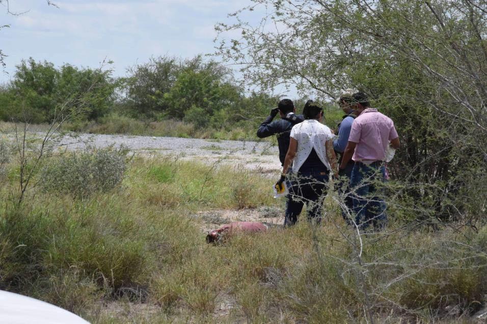 Abatidos. Dos sujetos armados fueron abatidos en el enfrentamiento en la brecha El Berrendo, autoridades ministeriales practicaron las diligencias.