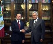 Se reúnen AMLO y EPN en Palacio Nacional