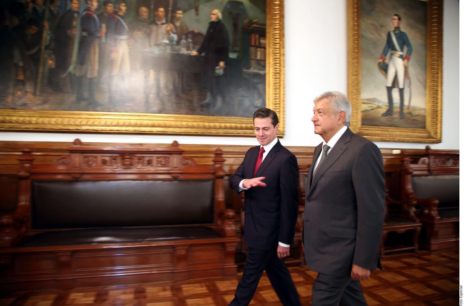 La Presidencia confirmó hasta esta mañana que el encuentro entre Andrés Manuel López Obrador (der.) y el Presidente Enrique Peña Nieto (izq.) se realizaría a las 11:00 horas, pues hasta anoche se mantenía en que no estaba agendado.