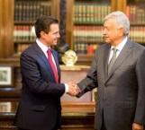 AMLO arriba a Palacio Nacional para reunión con Peña